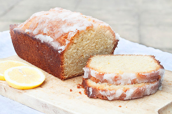 #TuesdayTeaBreak - White Chocolate Lemon Drizzle Cake and Traditional Earl Grey