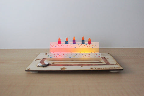 Tinkercademy's Evergreeting Diorama Kit Birthday Greeting Card lighted; Paper craft with Chibitronic LEDs and copper tape.