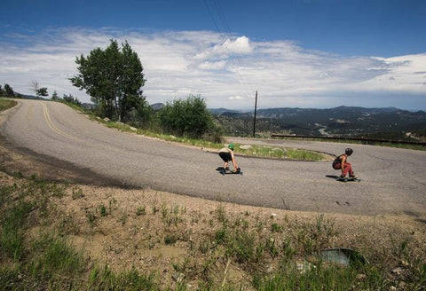 Down_Hill_Skateboarding_Style