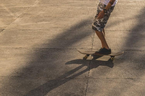 How_to_get_in_a_moving_skateboard