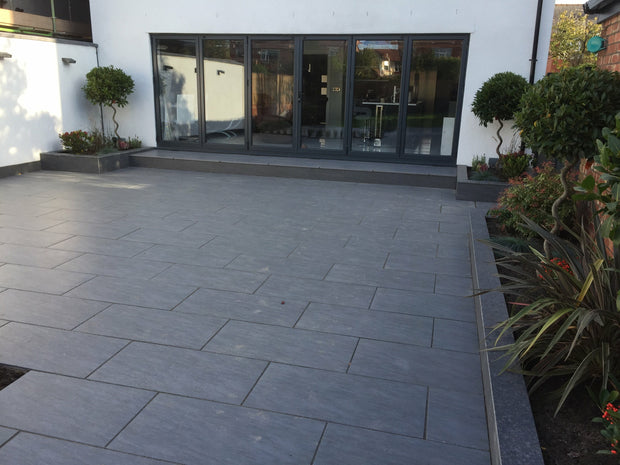 Porcelain Paving in Quartz Anthracite.
