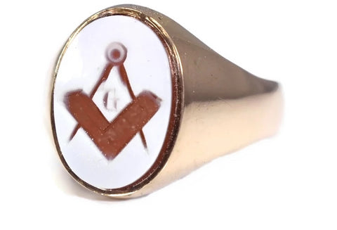 14k Masonic Ring with Carved Carnelian Gemstone Vintage - Premier Estate Gallery 1