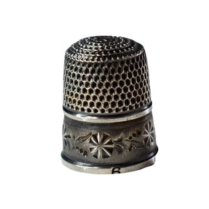 Antique Floral Engraved Sterling Silver Thimble Sz 6 Odd Hallmark - Premier Estate Gallery