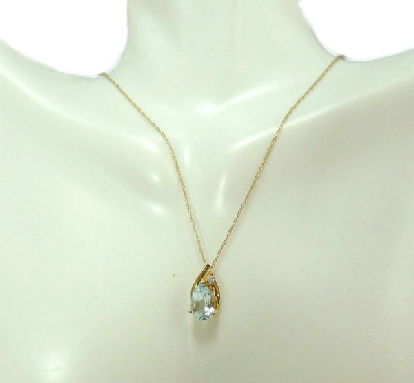 14k Aquamarine Gemstone Pendant and Gold Chain SOLD - Premier Estate Gallery  - 2