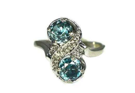 14k White Gold London Blue Topaz Ring Two Stone Ring c1950 - Premier Estate Gallery