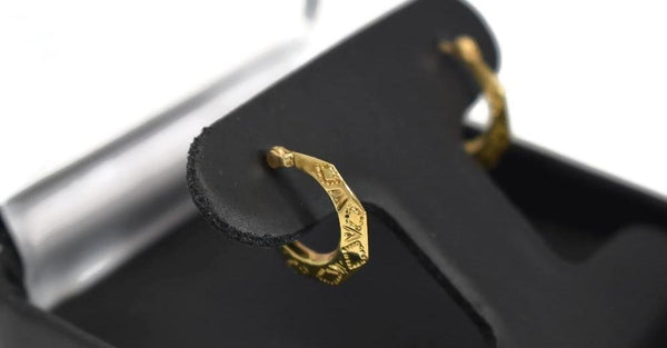Vintage 14k Gold Etched Hoop Earrings, Small Gold Hoops Lever Back - Premier Estate Gallery 4