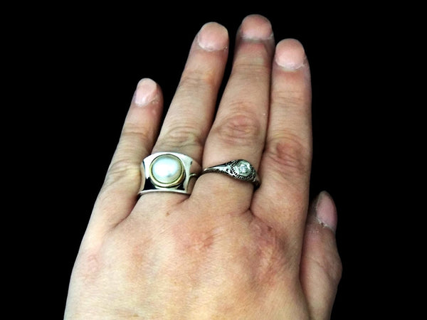 Italian Cultured Pearl Ring Sterling Silver 18k Gold Wide Band - Premier Estate Gallery  - 4