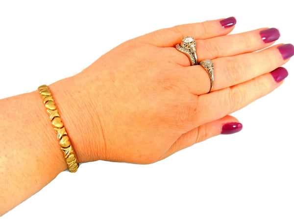 10k Gold Hugs and Kisses Bracelet Romantic Jewelry - Premier Estate Gallery  - 5