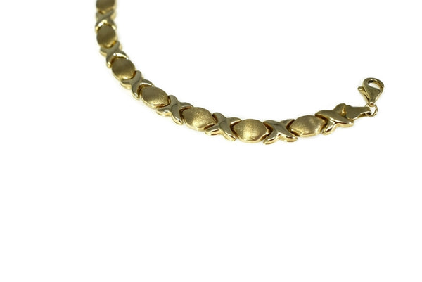 Romantic 10k Hugs and Kisses Gold Bracelet - Premier Estate Gallery 3