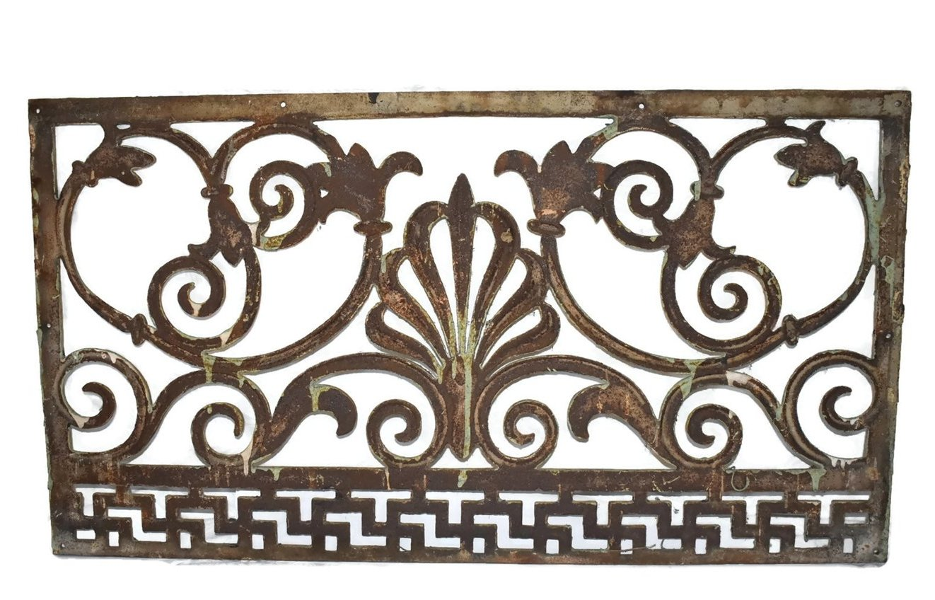 1860s Early Victorian Cast Iron Fireplace Grate (Grill).  Beautiful ornate design with fans
