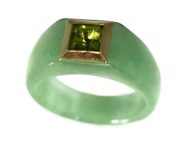 14k Jade Carved Ring with Peridot August Birthstone Ring - Premier Estate Gallery