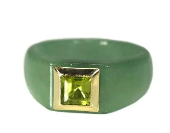 14k Jade Carved Ring with Peridot August Birthstone Ring - Premier Estate Gallery 2
