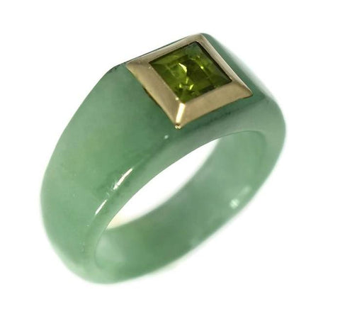 14k Jade Carved Ring with Peridot August Birthstone Ring - Premier Estate Gallery 3