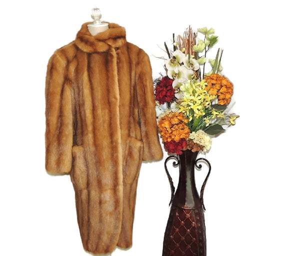 Estate Fendi Mink Fur Coat Luxurious Designer Fur Vintage