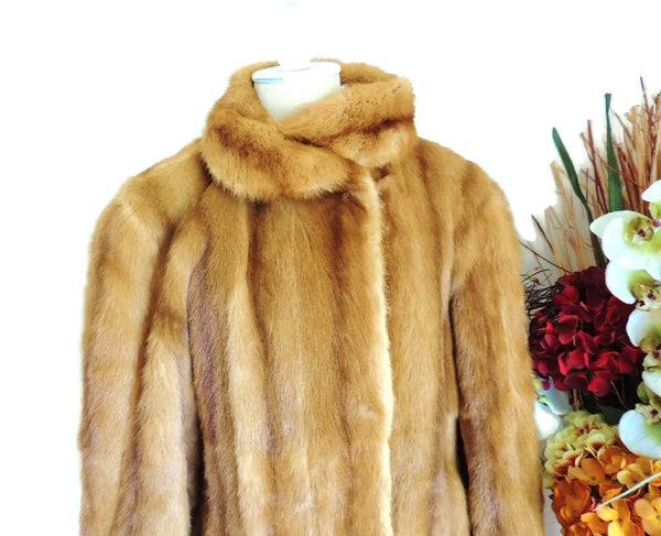 Estate Fendi Mink Fur Coat Luxurious Designer Fur Vintage - Premier Estate Gallery  - 2