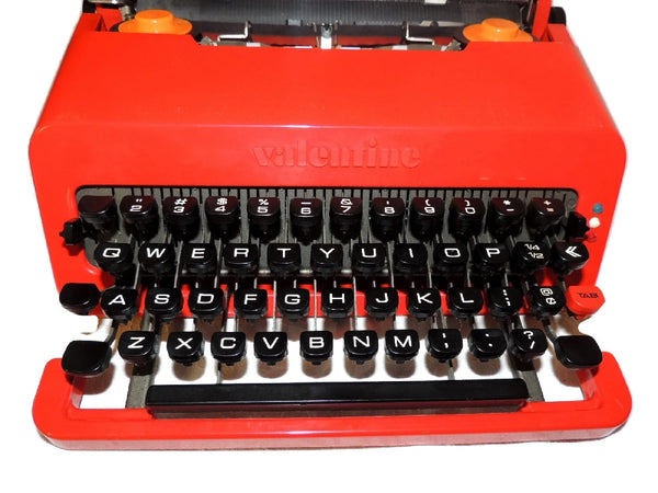 "1969 Olivetti  Red ""Valentine"" Portable Typewriter Italian Design Vintage - Premier Estate Gallery  - 4"
