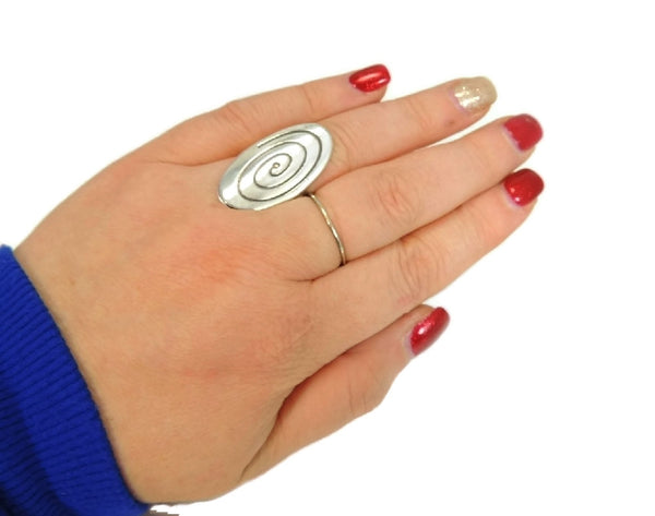 MOD Style Silver Ring Huge Oval Swirl Sterling Ring Vintage - Premier Estate Gallery  - 2