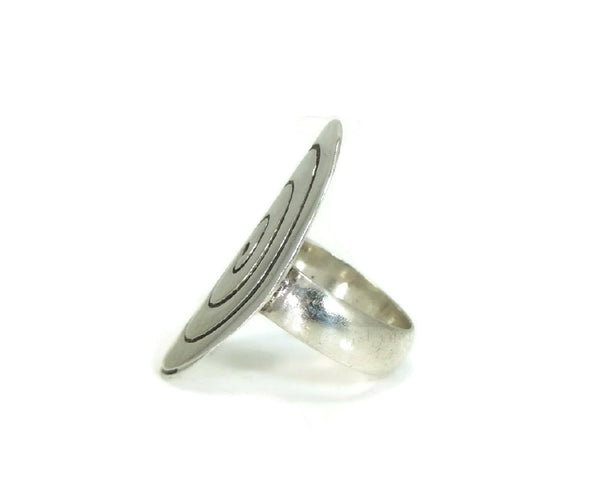 MOD Style Silver Ring Huge Oval Swirl Sterling Ring Vintage - Premier Estate Gallery  - 3