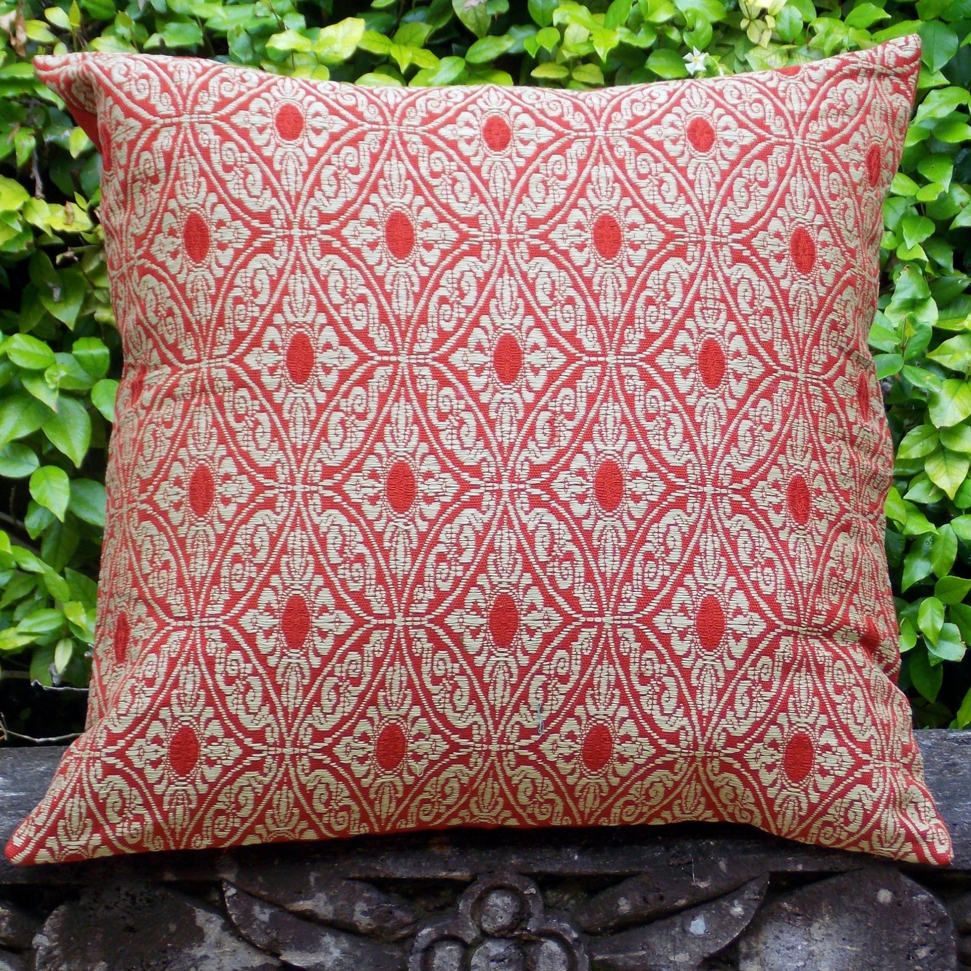 Contessa Red & Khaki Pillowcase - PCC300