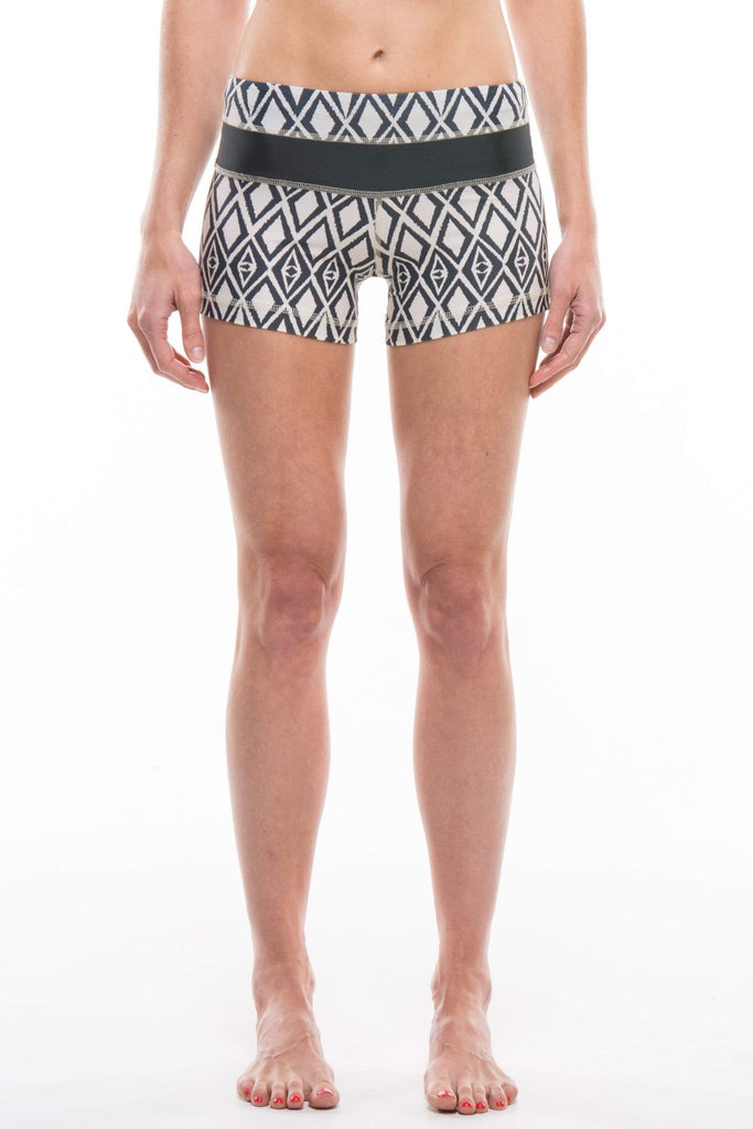 TRIBAL | SHORT
