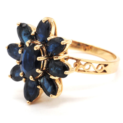 Vintage 14K Gold Midnight Blue Natural Sapphire Flower Ring