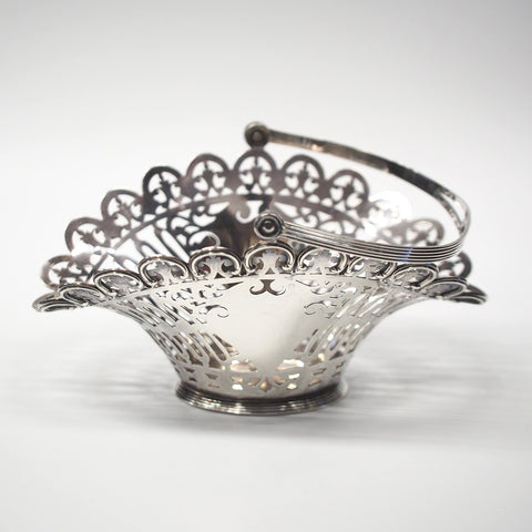 Sterling Silver Black Star & Frost Pierced Basket w/ Swing Handle