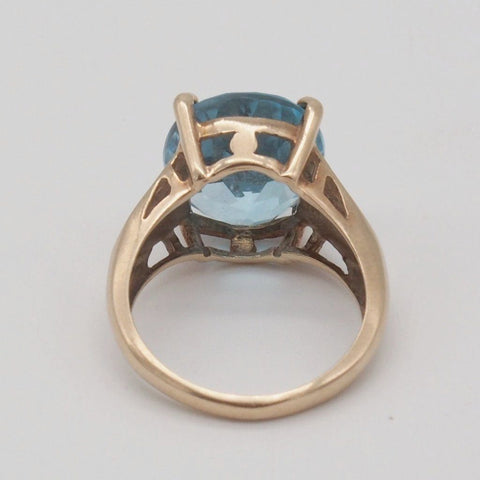 10K Gold Bright Blue Topaz Ring