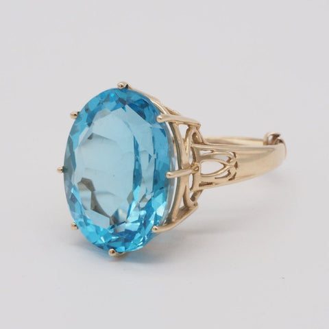 Vintage 14K Gold Blue Topaz Cocktail Ring