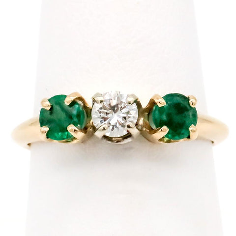 14K Gold Diamond & Emerald 3 Stone Ring - Size 6 1/8