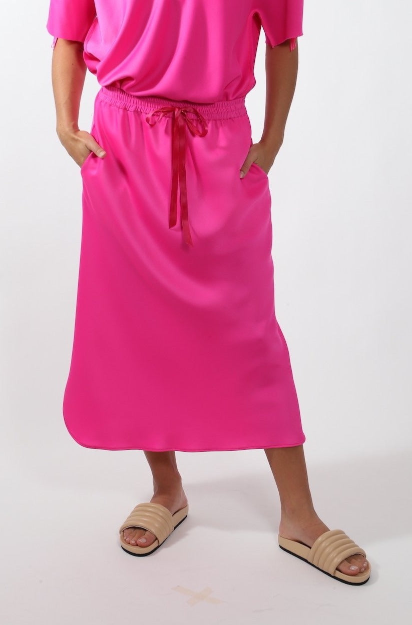 Scallop Skirt · Pink Fluro
