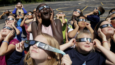 What will happen if you look at the solar eclipse without glasses