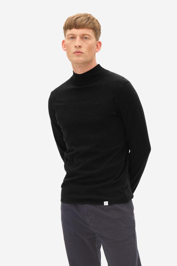 Turtle Neck caviar