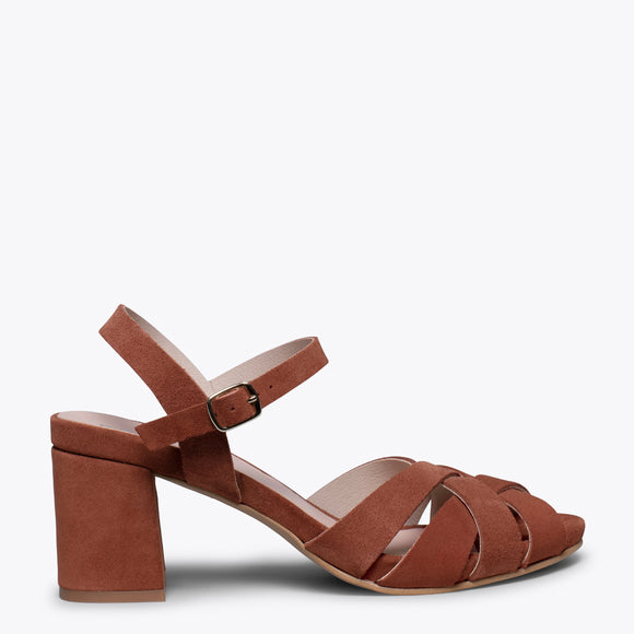 COCKTAIL – BRICK LEATHER STRAP MID HEEL SANDAL