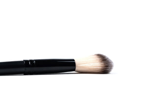 Angled Contour Brush - ColourYourEyes.com