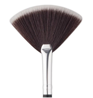 Professional MUA Fan Brush - ColourYourEyes.com
