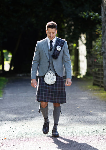 Kilt outfit with plaid