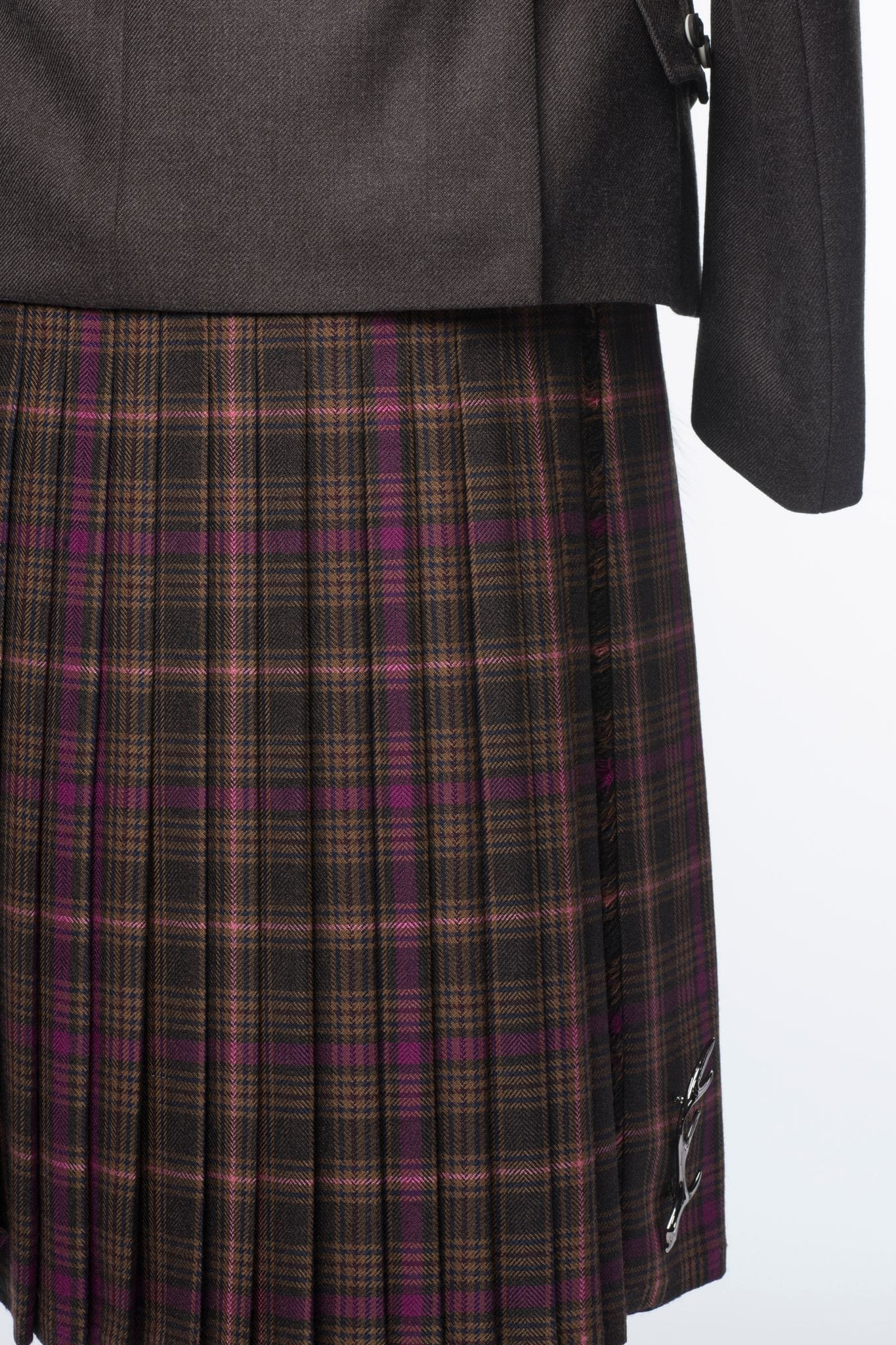 8 Yard Fully Handmade Kilt - Choose Your Tartan - MacGregor and MacDuff