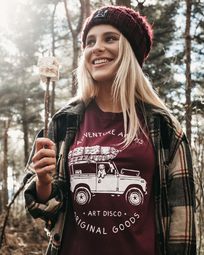 'Adventure Awaits' T-Shirt