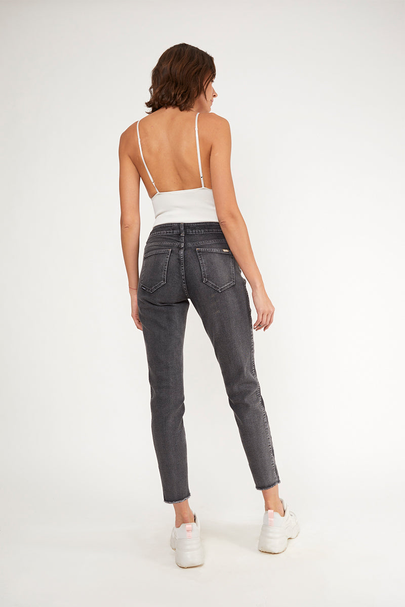 MOM JEANS · FASHION · 3382
