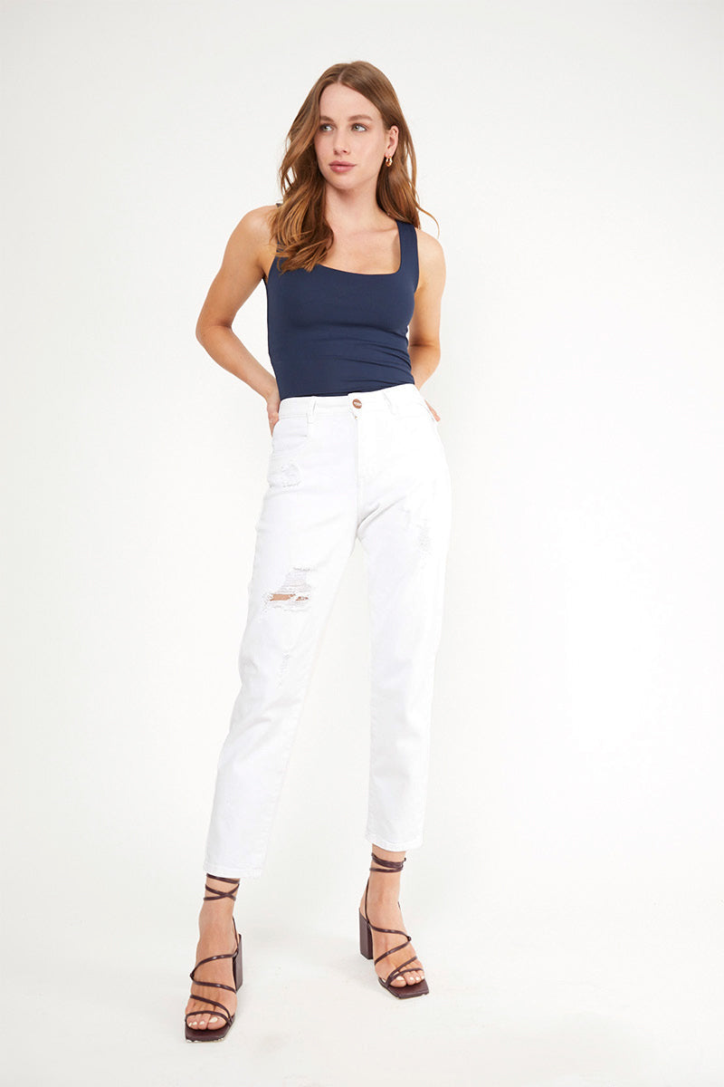 MOM JEANS · FASHION · 3383