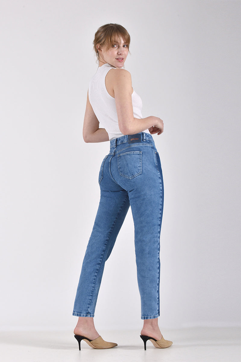 MOM JEANS · FASHION · 3384