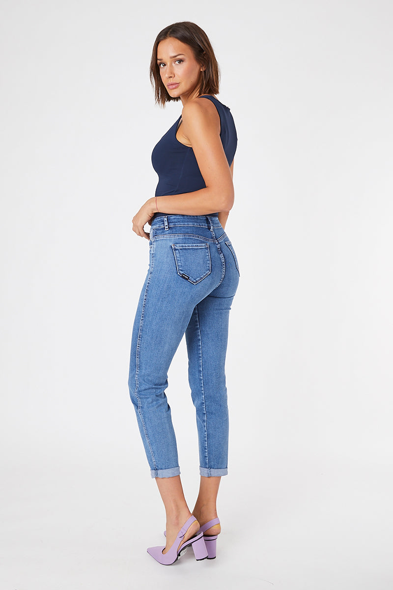 BAGGY JEANS · FASHION · 3569