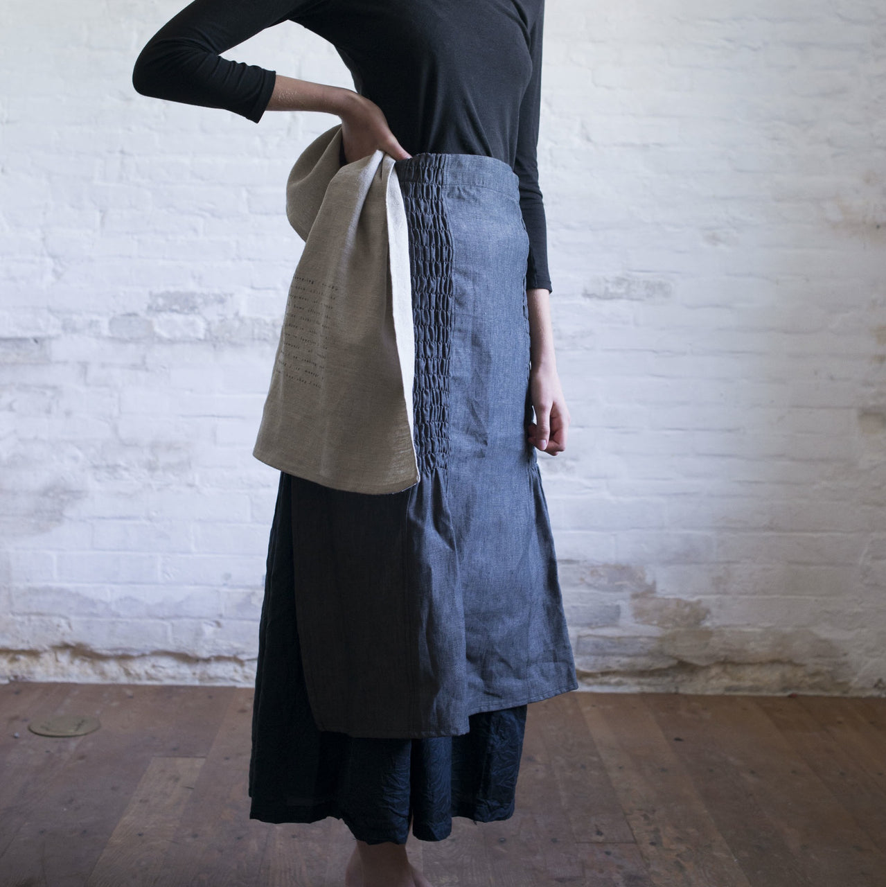 smocked half apron (side)