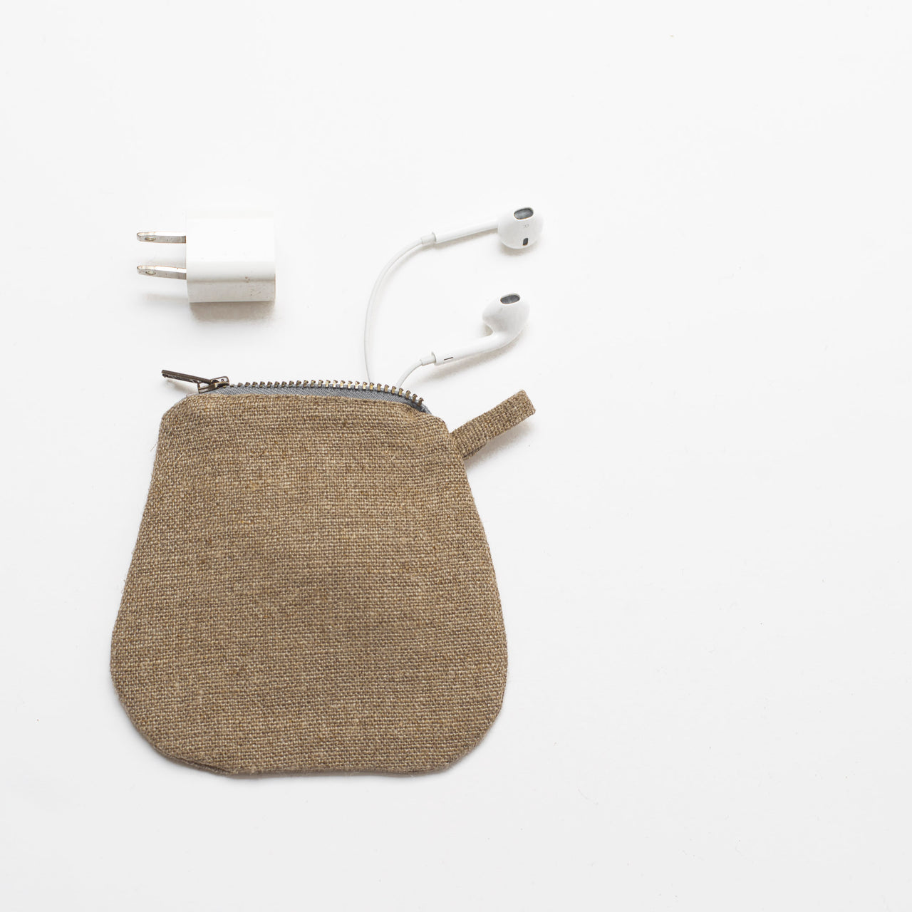 mini pouches (dark linen)