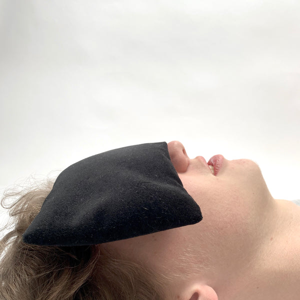 velvet eye pillow- black