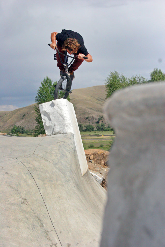 Tammy McCarley Foot Jam on Gunni Rock. Photo Credit: Preston Levi
