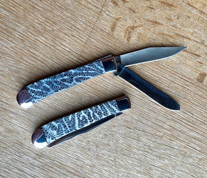 Double Blade Brain Coral Trapper Pocket Knife