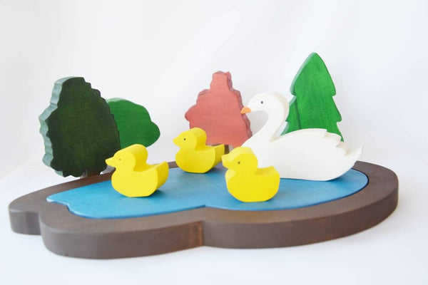 Pond with swan and ducks, wooden pond, waldorf lake toy, woodland animals, forest play scene, wooden toy set, christmas gift, kids gift