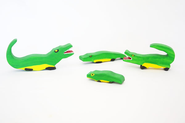 Alligators, set of 4 wooden alligators wooden toys, waldorf animals, wooden animals toy set, open ended play, pretend play, montessori toy