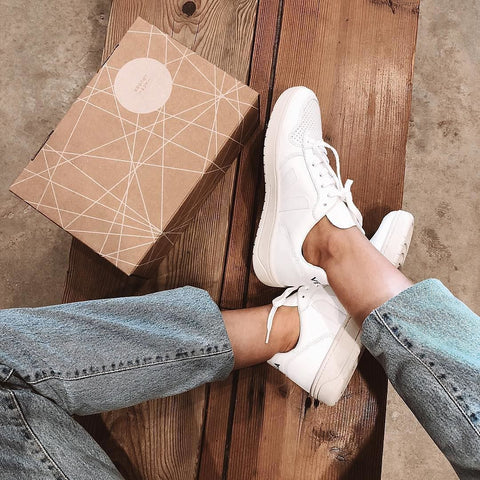 Sustainable White Sneakers V-10 by Veja